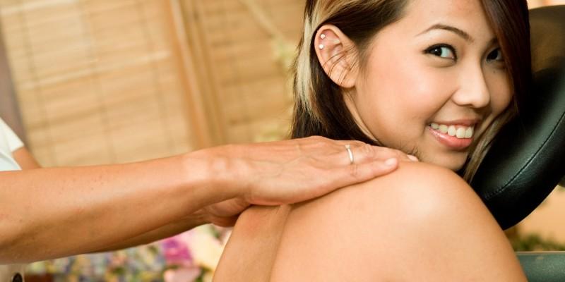 Nackenmassage im Sitzen