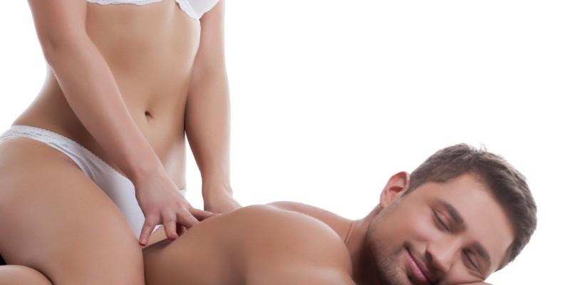 Erotische Rückenmassage