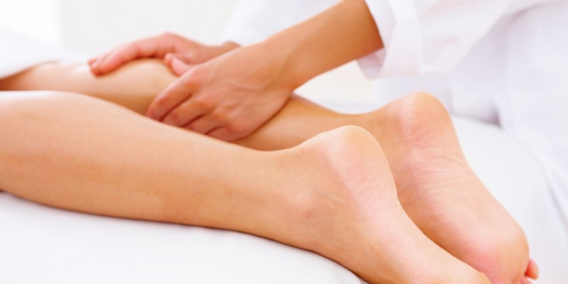 Lymphdrainage an den Beinen